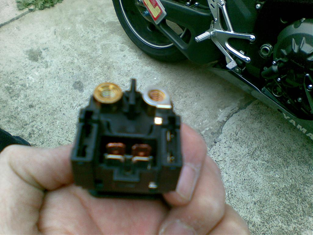 [SCHEMATICS_44OR]  Is this the main fuse? | Yamaha R1 Forum: YZF-R1 Forums | 2007 Yamaha R1 Fuse Box Location |  | R1 Forum