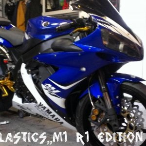 IMAG0278,,,new fairings,braided lines ,chain/sprocket,rearsets,power commm,,,two brothers,,,levers,wave rotors,,k&n